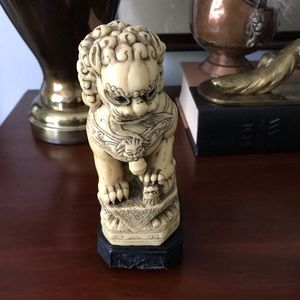 Vintage Accents - Foo dog Chinese lion